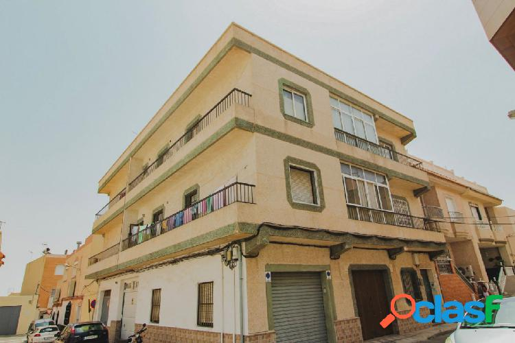 nuevo piso a la venta en una comunidad de tan solo 4