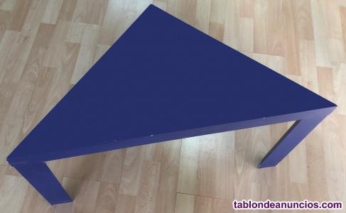 Mesa pequeña triangular