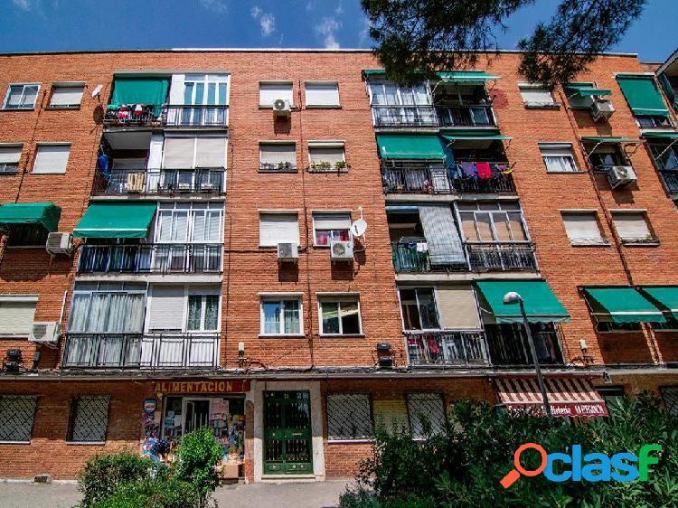 Piso en venta en avenida Pablo Neruda, 24, Madrid