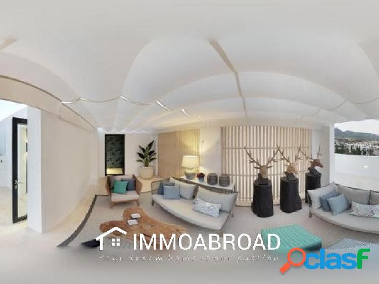 Apartamento en venta en Marbella con 3 dormitorios y 3