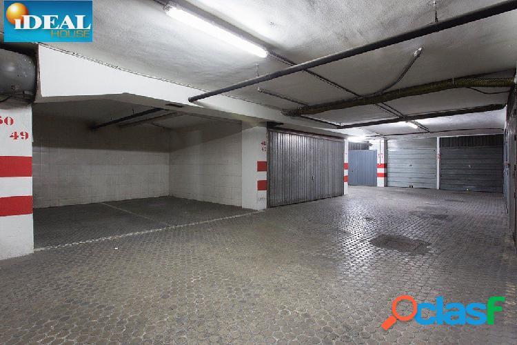A5271J6. Garaje en el Centro de Granada. www.idealhouse.es