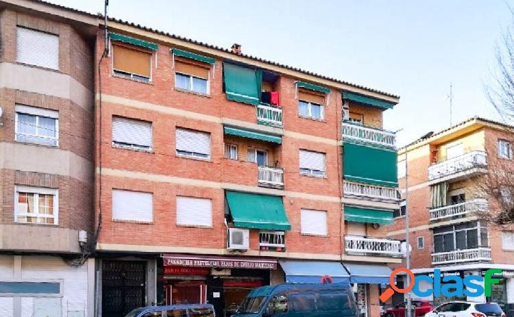 Amplio piso de 2 dormitorios en el centro de Albolote, junto