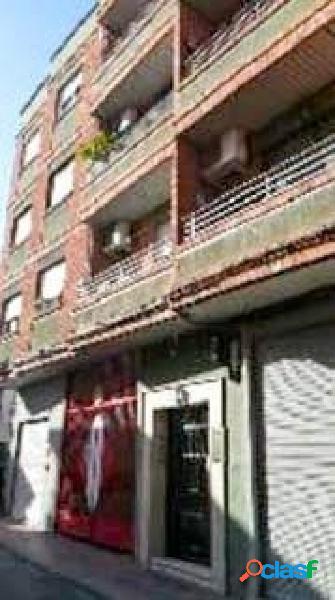 Amplio piso de 4 dormitorios en el centro de Armilla