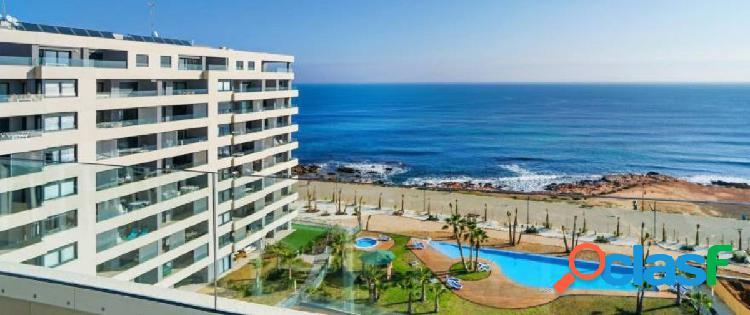 Apartamentos en primera línea de mar y playa en Punta