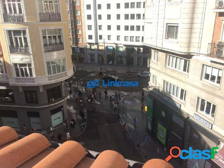 Atico en centro de Madrid mira a calle gran via