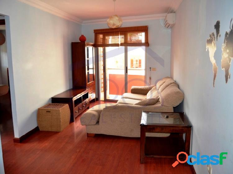 En Venta apartamento de 2 dormitorios con garaje y ascensor