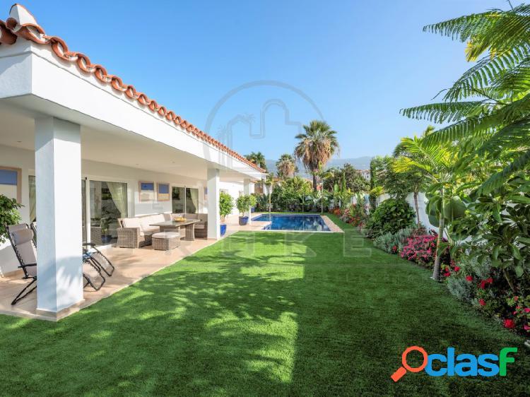 Estupenda villa contemporánea de lujo con piscina infinita