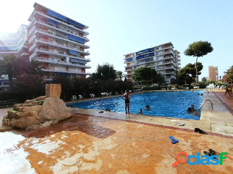 Gran piso con piscina en el centro de Playa San Juan.