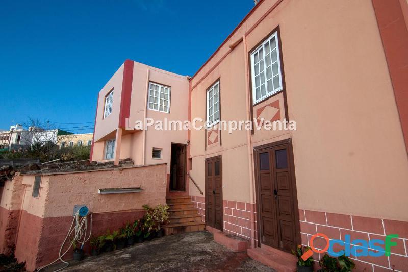 ID 361 Casa con terreno y de estilo Canario y buenas