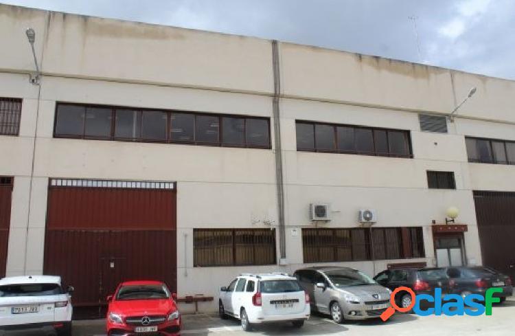 Nave Industrial en venta en Calle MARIO ROSO DE LUNA, Madrid