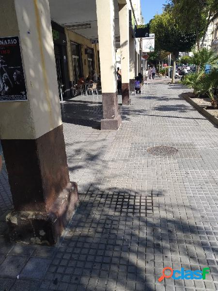 Negocio de hosteleria en zona Ana de Viya