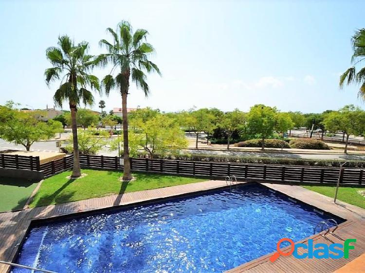PLANTA BAJA de una habitacion con terraza grande, piscina,