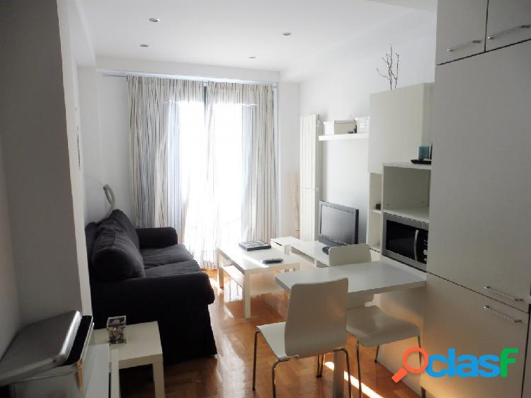 Precioso apartamento nuevo en el centro de la ciudad junto