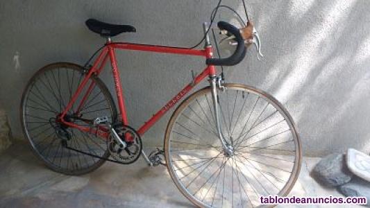 Vendo bicicleta de carretera zeleris, años 80