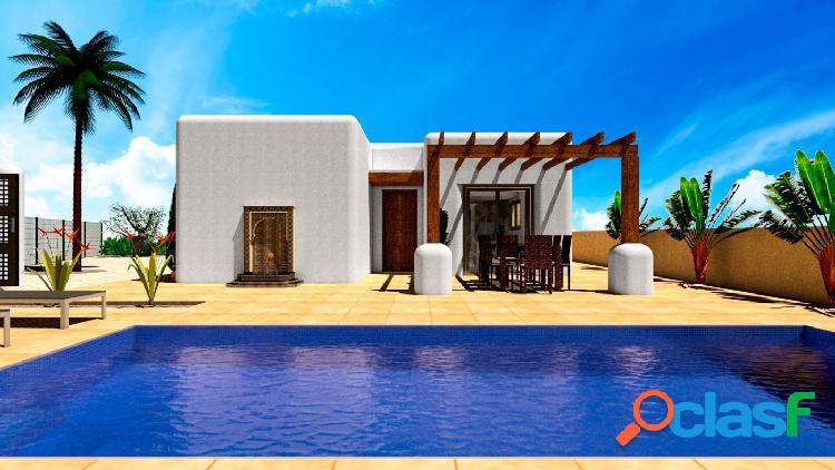 Villa de estilo ibicenco con acabados de alta calidad y
