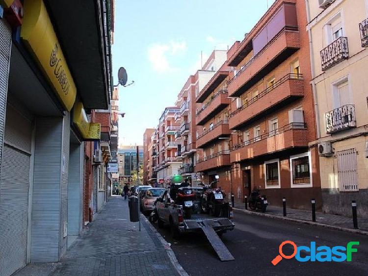 En venta piso en Calle SAN RAIMUNDO 19 MADRID