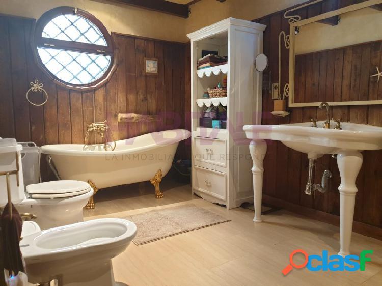 Habitale vende de esta estupenda casa en Valdezorras. Una