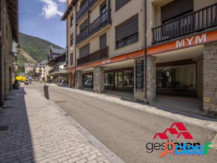 Local comercial de 380 m2 en Pleno centro de Vielha