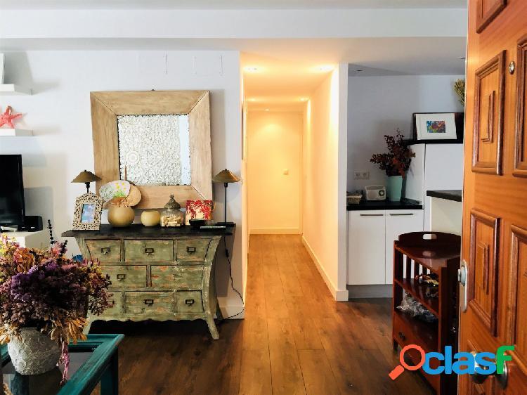 Maravilloso piso reformado de tres dormitorios en pleno