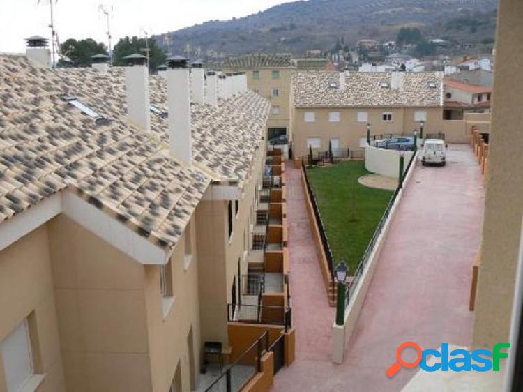 Se alquila casa adosada en Villar del Olmo