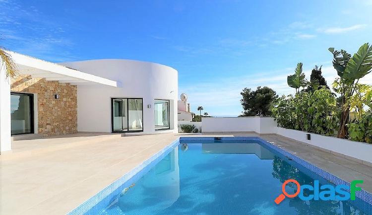 Villa moderna de nueva construcción en venta en la costa de