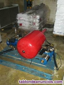 2 bombas de agua con un deposito