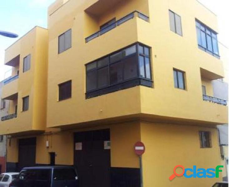 Amplia vivienda de cuatro dormitorios muy bien situada en