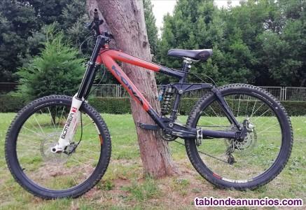 Biciclita de descenso kona stinky dh/freeride