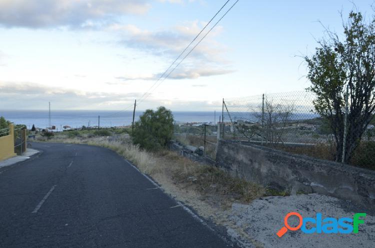 Candelaria, terreno en asentamiento rural a pie de