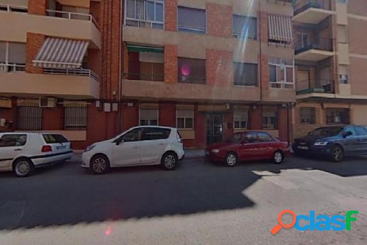 SE VENDE PISO EN EL CENTRO DE SAN SEBASTIÁN DE LOS REYES