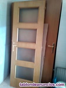 Vendo 7 puertas de madera: puertas, marcos y mecanismo