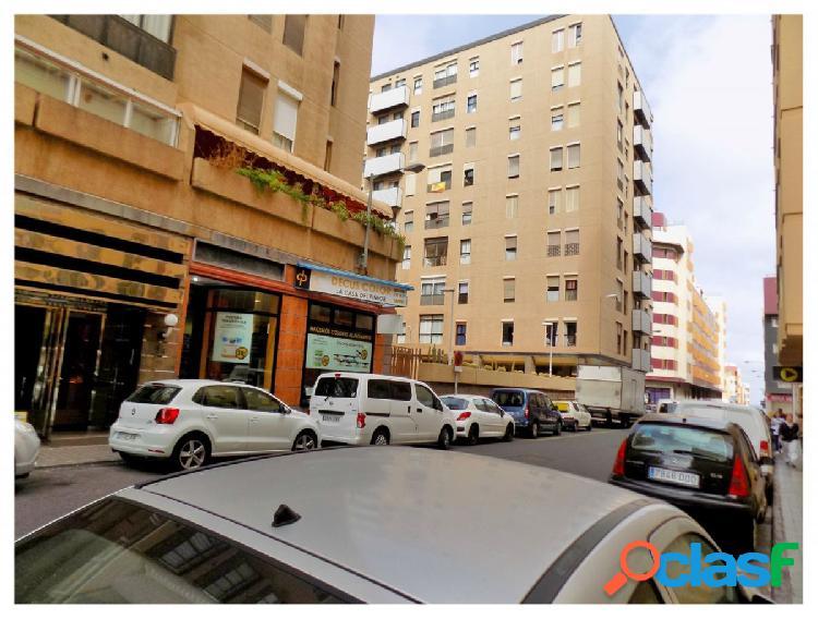 Amplia Plaza de Garaje en el edificio Ajui, en calle Velarde