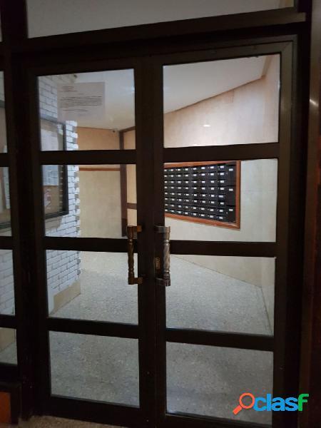 Apartamento en la zona Puerto Canteras, a 100 metros de la