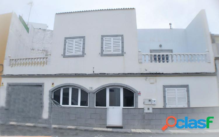 Casa Terrera en venta con garaje en Carrizal. Cuenta con 150