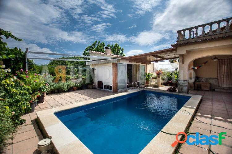 Casa con terreno en venta en Reus