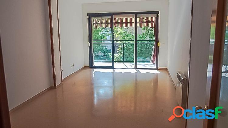 Fantástico piso en Martorell, muy soleado, zona Rosanes -