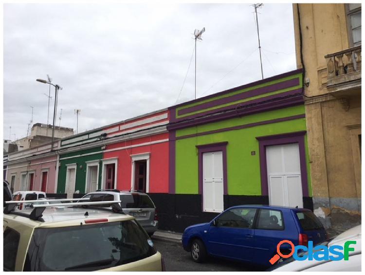 GRAN OPORTUNIDAD DE INVERSIÓN! Tres casas terreras