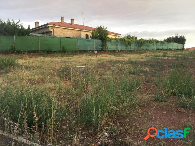 Magnífica parcela urbana en urbanización Peñasolana