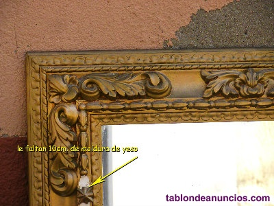 Marco con grabado en yeso, dorado, con espejo