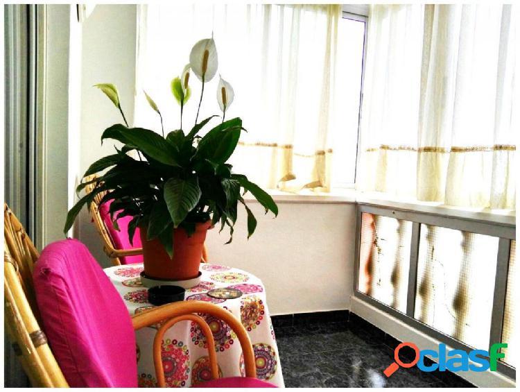 PISO DE 2 DORMITORIOS + GARAJEEstupendo piso en San Isidro