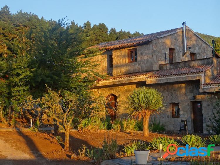 Se vende Casa Hotel Rural en el Sauzal – Ravelo, con una