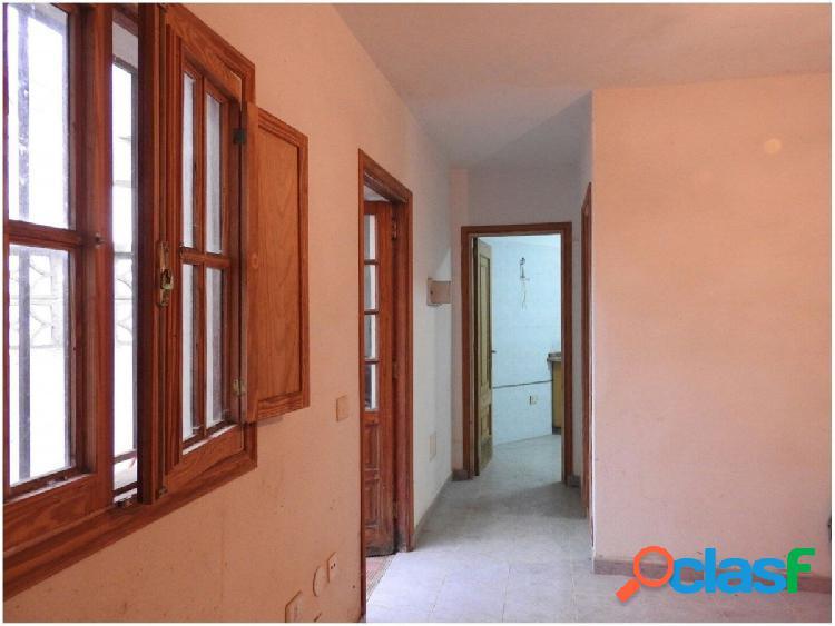 Se vende casa con terreno en la zona de La Orotava,