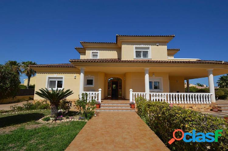 Villa de lujo en Cabo Roig con vistas al mar