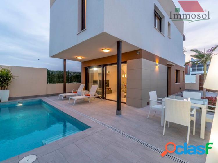 Villas independientes con piscina privada