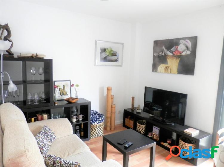 Alquiler apartamento con vistas despejadas, en Les Roquetes