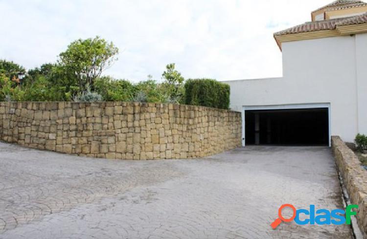 Plaza de garaje en San Roque Club, precio de liquidación!!!