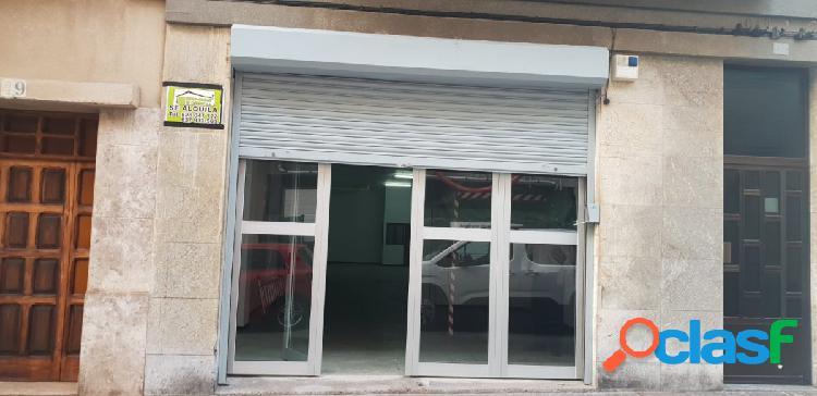 Local comercial de 161 m2 a pie de calle en la isleta