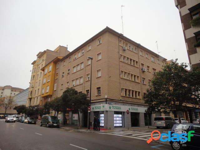Piso en venta en Calle Cortes de Aragón, Zaragoza