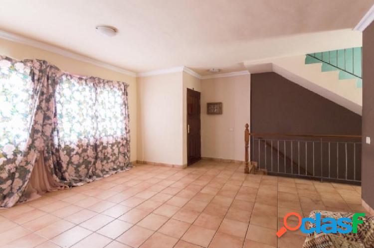 Preciosa vivienda unifamiliar adosada en La Orotava