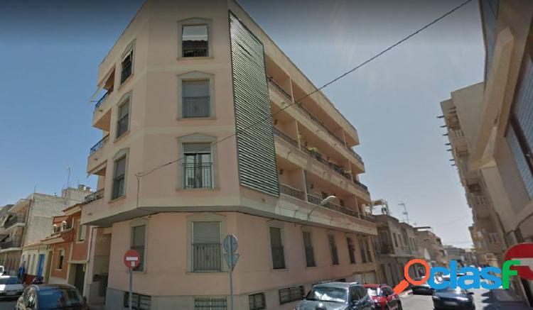 Apartamento en el centro de Guardamar rodeado de todos los